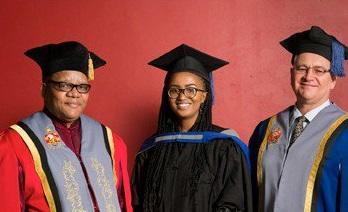 BCom graduate receives Chancellor's Award