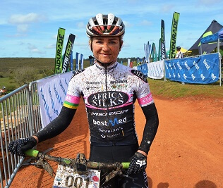Joubert defends title in Makro mountain-bike race