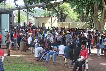 Hundreds of hopefuls seek study spaces at DUT