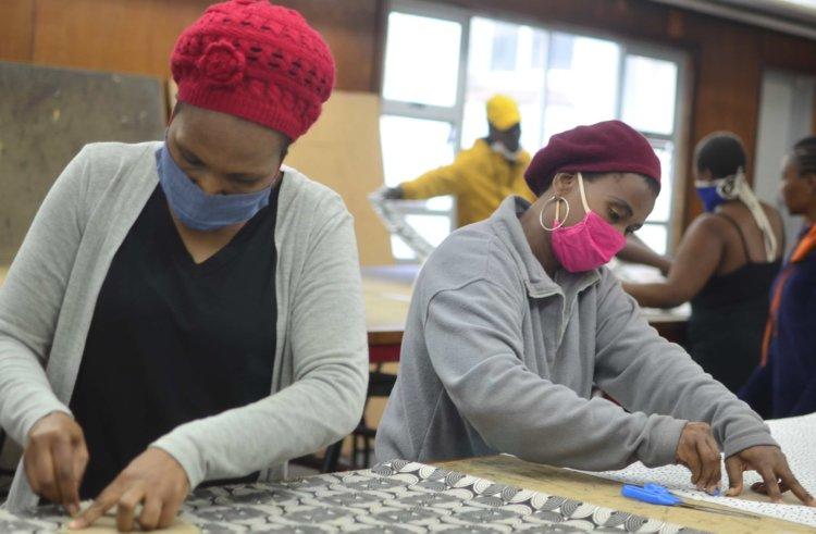 WSU students produce 2,000 masks in Covid-19 battle
