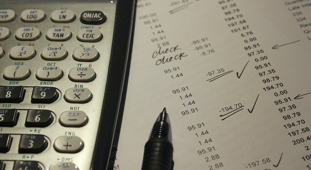 Top 8 reasons to pursue a career in finance and accountancy
